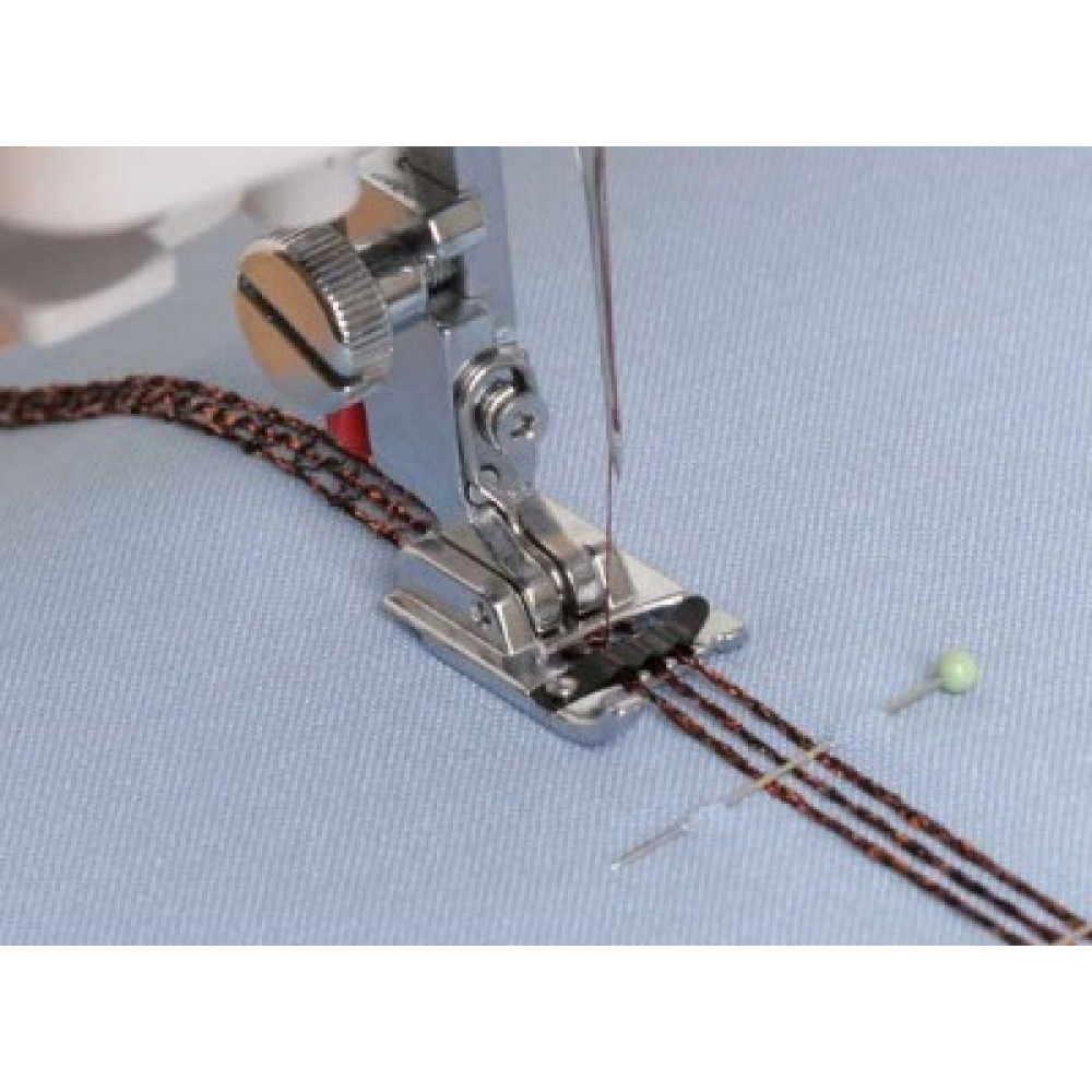 Лапка для пришивания шнура или шнуров